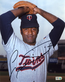 Luis Tiant Minnesota Twins Autographed Photo (Hand Signed Collectable) Photo