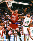 Robert Parish Chicago Bulls Autographed Photo (Hand Signed Collectable) Photo