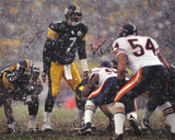 Ben Roethlisberger SB & Brian Urlacher In the Snow Dual Autographed Photo (H& Signed Collectable) Photo