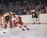 Gordie Howe Detroit Red Wings Vs Bruins with Mr. Hockey Autographed Photo (Hand Signed Collectable) Photo