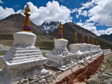 Chortens, Prayer Stupas Below the Holy Mountain Mount Kailash in Western Tibet, China, Asia Fotografiskt tryck av Michael Runkel