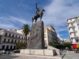 The Statue of Abdel Kader at Place Abdel Kader, Algiers, Algeria, North Africa, Africa Fotografie-Druck von Michael Runkel