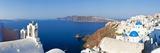 Blue Domed Churches in the Village of Oia, Santorini (Thira), Cyclades Islands, Aegean Sea, Greece Fotografisk tryk af Gavin Hellier