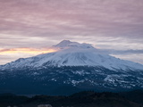 Dawn at Mount Shasta, California, USA Reproduction photographique par Michael DeFreitas