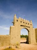 Main Gate to Djenne Djenno Hotel, in Djenne, Mali, West Africa, Africa Fotografisk tryk af Donald Nausbaum