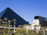 Luxor Hotel and Casino, Las Vegas, Nevada, United States of America, North America Photographic Print by Richard Cummins