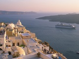 Fira, Island of Santorini (Thira), Cyclades Islands, Aegean, Greek Islands, Greece, Europe Fotografisk tryk af Sergio Pitamitz