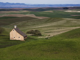 Barn in the Palouse, Idaho, USA Photographic Print by Jean Brooks