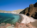 Red Beach, Akrotiri, Island of Santorini (Thira), Cyclades Islands, Aegean, Greek Islands Photographic Print by Sergio Pitamitz