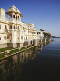 Bagore-Ki-Haveli on Lake Pichola, Udaipur, Rajasthan, India, Asia Photographic Print by Ian Trower