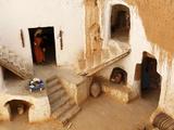 Berber Underground Dwellings, Matmata, Tunisia, North Africa, Africa Stampa fotografica di Dallas & John Heaton