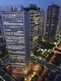 Evening Skyline Skyscraper Corporate Buildings in Nishi Shinjuku (West Shinjuku), Tokyo, Japan Reproduction photographique