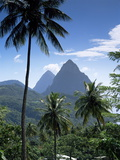 The Pitons, St. Lucia, Windward Islands, West Indies, Caribbean, Central America Lámina fotográfica
