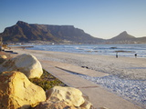 View of Table Mountain From Milnerton Beach, Cape Town, Western Cape, South Africa, Africa Fotografisk tryk af Ian Trower