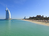 Burj Al Arab Hotel, Jumeirah Beach, Dubai, United Arab Emirates, Middle East Photographie par Amanda Hall
