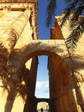 Arch of Antoninus Pius, Roman Ruins, Sbeitla Archaelogical Site, Tunisia, North Africa, Africa Stampa fotografica di Dallas & John Heaton