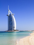 The Iconic Burj Al Arab Hotel, Jumeirah, Dubai, United Arab Emirates, Middle East Fotografiskt tryck av Amanda Hall