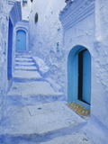 Blue Painted Doorways and Steps, Chefchaouen, Morocco, North Africa, Africa Fotografisk tryk