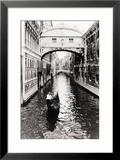 Kanal in Venedig Gerahmter Giclée-Druck von Cyndi Schick