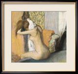 After the Bath, Woman Drying Her Neck, 1898 Estampe encadrée par Edgar Degas