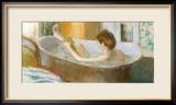 Woman in Her Bath, Sponging Her Leg, circa 1883 Gerahmter Giclée-Druck von Edgar Degas