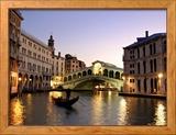 Rialtobrug, Canal Grande, Venetië, Italië Ingelijste fotodruk van Alan Copson