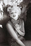 Marilyn Monroe (Cigarette) Movie Poster Print Affiches
