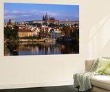 Prague Castle and Mala Strana (Small Quarter) Seen from Across Vltava River, Prague, Czech Republic Mural por Jonathan Smith