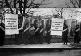 Women Suffragists (Picketing in Front of White House) Art Poster Print Masterprint