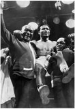Sugar Ray Robinson being Carried 1955 Archival Photo Sports Poster Pósters
