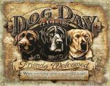 Dog Day Acres Plakietka emaliowana