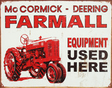 Farmall Tractor Equipment Used Here - Metal Tabela