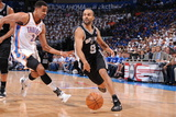 Oklahoma City, OK - June 2: Tony Parker and Thabo Sefolosha Fotografisk tryk af Andrew Bernstein
