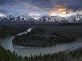 Sunrise Gleams Behind the Teton Range and the Snake River Lámina fotográfica por Melford, Michael