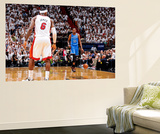 Miami, FL - June 17: Kevin Durant and LeBron James Reproduction murale géante par Andrew Bernstein
