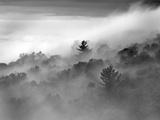 Clouds Rolling Through the Blue Ridge Mountains Photographie par Amy &amp; Al White &amp; Petteway