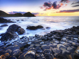 Giant's Causeway in Northern Ireland Impressão fotográfica por Chris Hill