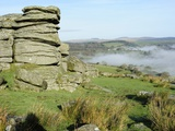 Combs Tor and Morning Fog, in the Area Where the Film War Horse Was Filmed, Dartmoor National Park, Photographie par Peter Groenendijk