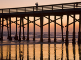 Newport Beach Pier at Sunset, Newport Beach, Orange County, California, United States of America, N Fotografie-Druck von Richard Cummins