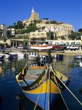 Luzzu Fishing Boat, Mgarr Harbour, Gozo, Malta, Mediterranean, Europe Fotografisk tryk af Stuart Black