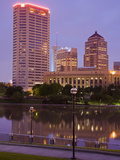 City Skyline and the Scioto River, Columbus, Ohio, United States of America, North America Lámina fotográfica por Richard Cummins