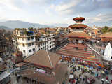 View over Durbar Square from Rooftop Cafe Showing Temples and Busy Streets, Kathmandu, Nepal, Asia Papier Photo par Lee Frost