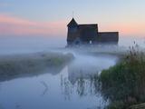 Fairfield Church in Dawn Mist, Romney Marsh, Near Rye, Kent, England, United Kingdom, Europe Fotoprint van Stuart Black