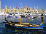 View across Dockyard Creek to Maritime Museum on Vittoriosa with Traditional Boat, Senglea, Malta,  Photographie par Stuart Black
