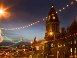 Town Hall and Christmas Lights on the Headrow, Leeds, West Yorkshire, Yorkshire, England, United Ki Fotografie-Druck von Mark Sunderland