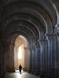 Interior North Nave Aisle with Priest Walking Away, Vezelay Abbey, UNESCO World Heritage Site, Veze Photographie par Nick Servian