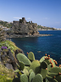 The Castle and Coastline, Aci Castello, Sicily, Italy, Mediterranean, Europe Fotografisk tryk af Stuart Black