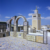 View over City and Great Mosque from Tiled Roof Top, Tunis, Tunisia, North Africa, Africa Fotografisk tryk af Stuart Black