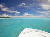 Speedboat Arriving in Tropical Beach, Maldives, Indian Ocean, Asia Photographie par Sakis Papadopoulos