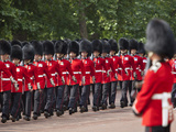 Scots Guards Marching Along the Mall, Trooping the Colour, London, England, United Kingdom, Europe Photographie par Stuart Black